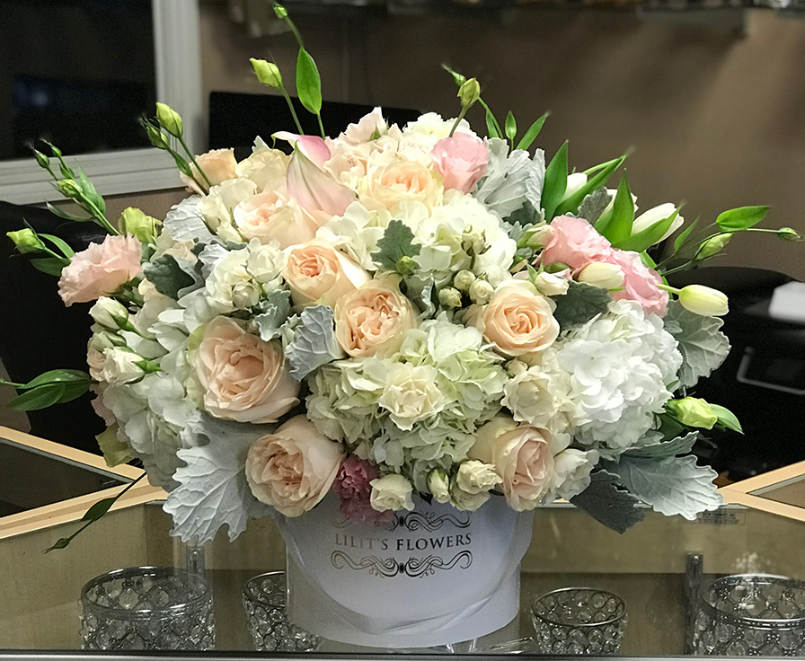 Best Florist In Glendale Flower Delivery Color Calla Lilies Roses Verronicas Are Just