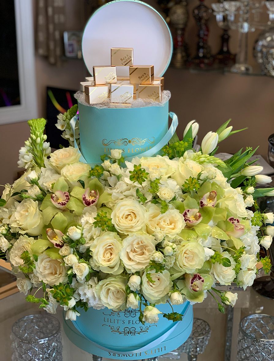 elegant bouquet in the blue hat box, white roses, white spray roses
